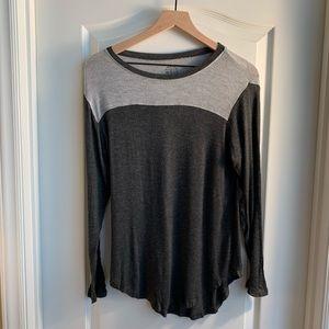 Well Worn brand black & gray long sleeve shirt S